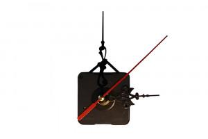 Часовой механизм с узорчатыми стрелками