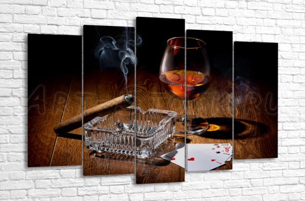 За карточной игрой